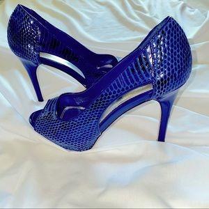 "White House Black Market blue Leather snake reptile peep toe Shoes ""Bluebell"" 7"